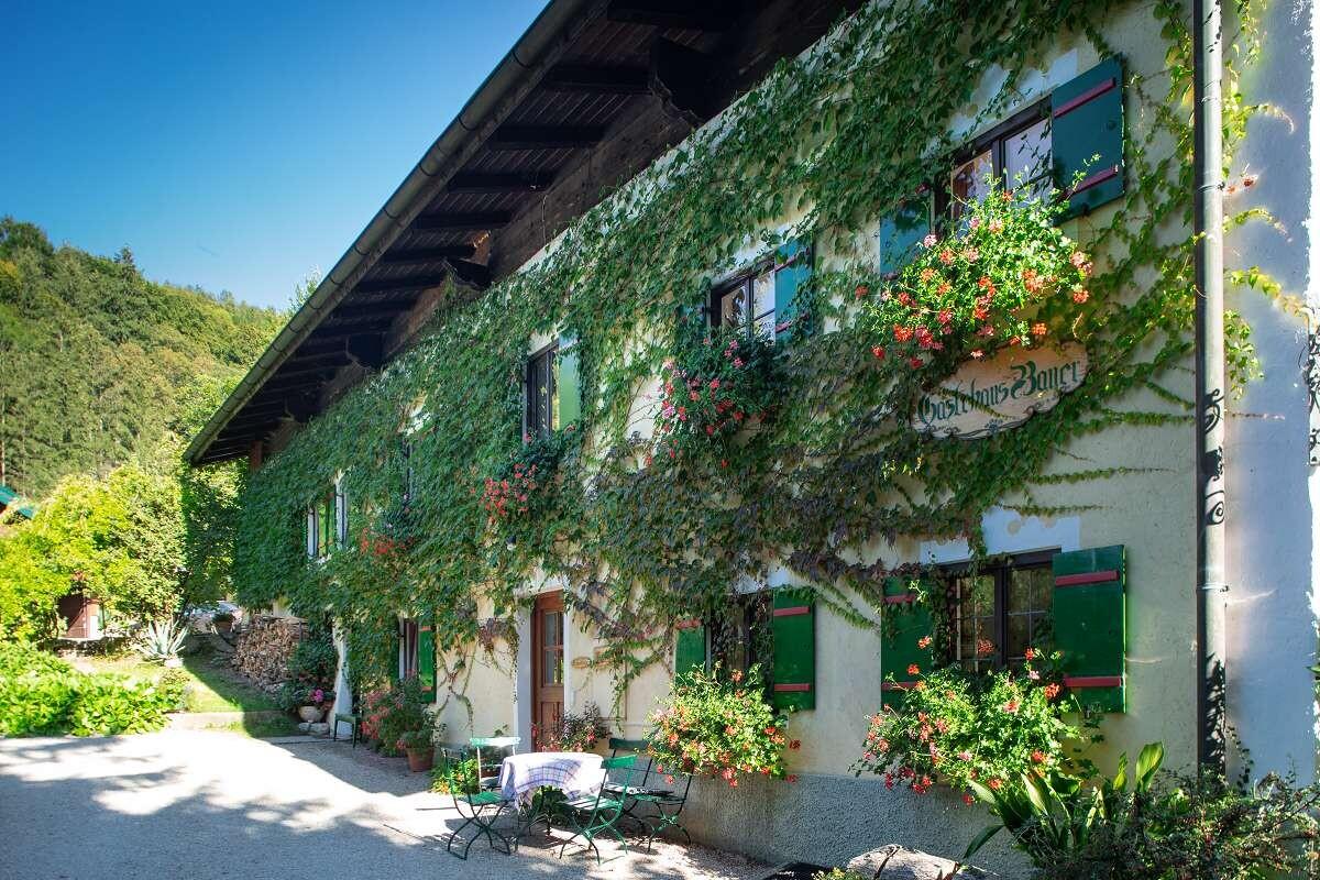 Bayerisches Haus mit Terrasse
